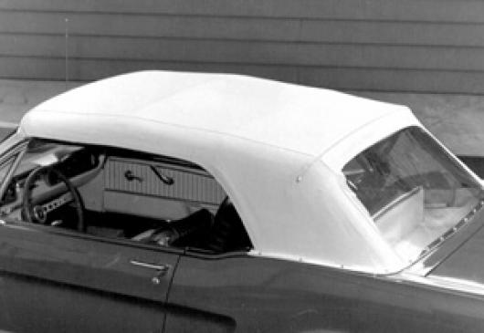 Capote noire avec glace plastique Mustang 1964-66
