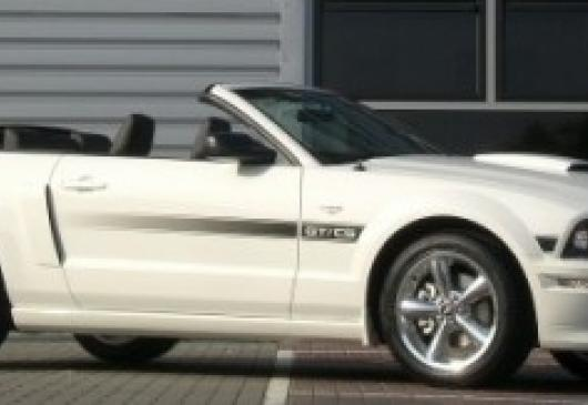 FORD MUSTANG GT PREMIUM California Special 2009